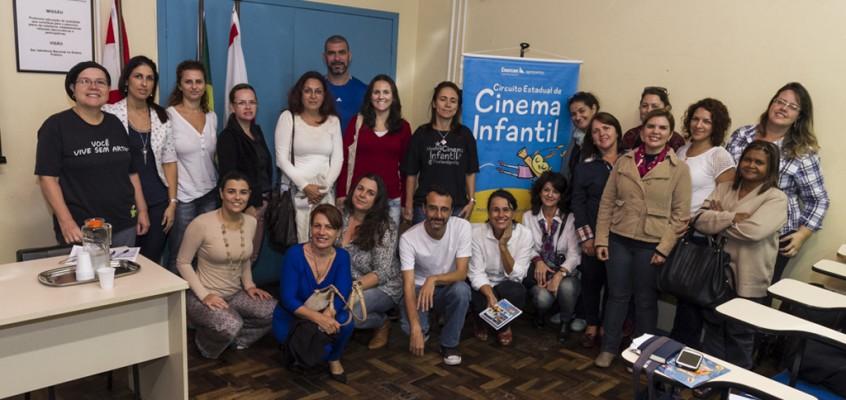 Circuito Estadual de Cinema Infantil capacita professores em Florianópolis