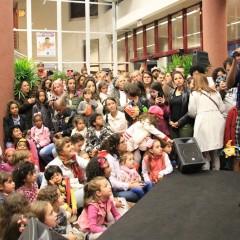 MC Soffia no Paquinho da Mostra de Cinema Infantil. Foto Kelén Oliveira