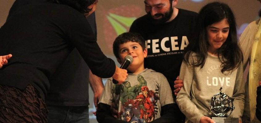 """""""Médico de Monstro"""" conquista dois prêmios: Melhor Ficção e Prêmio Especial das Crianças"""