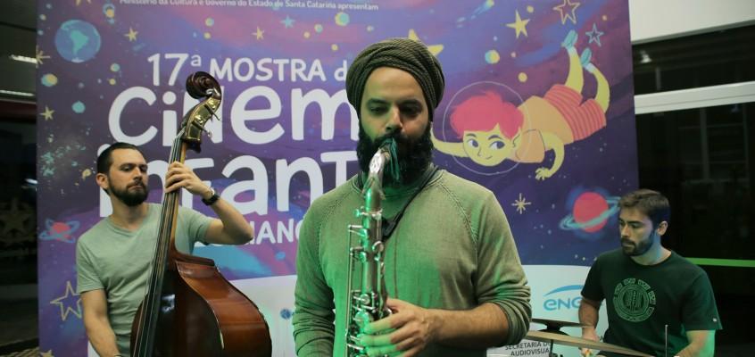 Palquinho da Mostra: Jazz e o som dos tambores japoneses no segundo dia