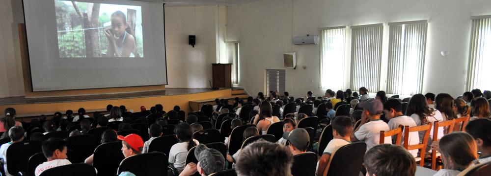 Circuito Estadual de Cinema Infantil alcançou mais de 100 mil crianças em 111 municípios catarinenses