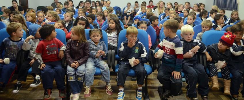 Municípios podem aderir ao Circuito Estadual de Cinema Infantil