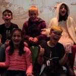 Dublagem ao vivo com crianças na abertura da 18ª Mostra